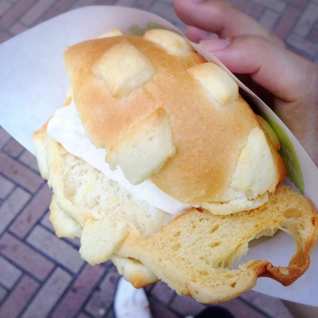 【渋谷・他】世界で2番めにおいしい焼きたてメロンパンアイス-値段 - 東京パン