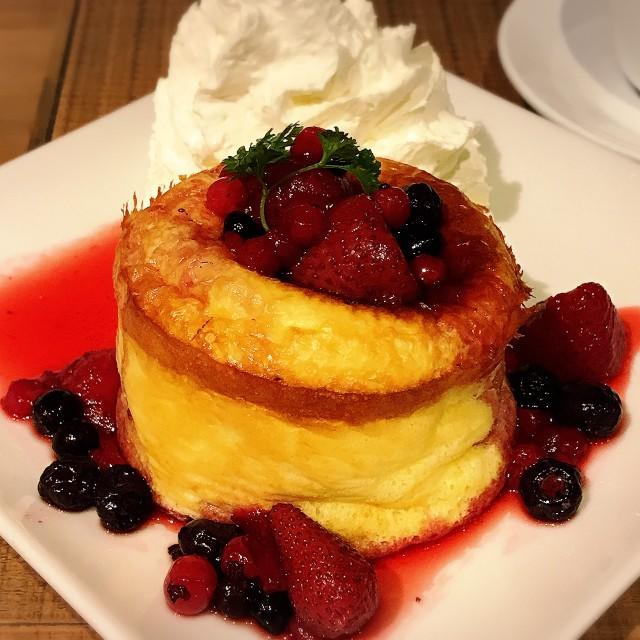 【秋葉原2k540】ハンモックでパンケーキを食べるカフェ『ASAN』