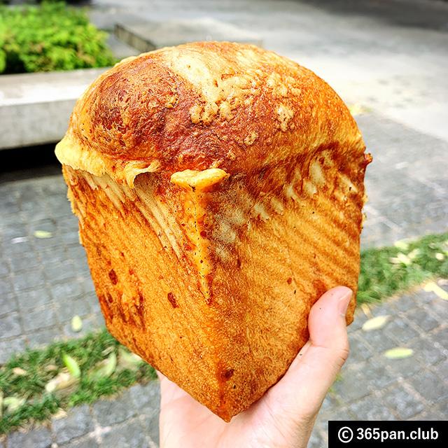 【大手町】高級レストラン併設「俺のグリル&ベーカリー」限定パン12