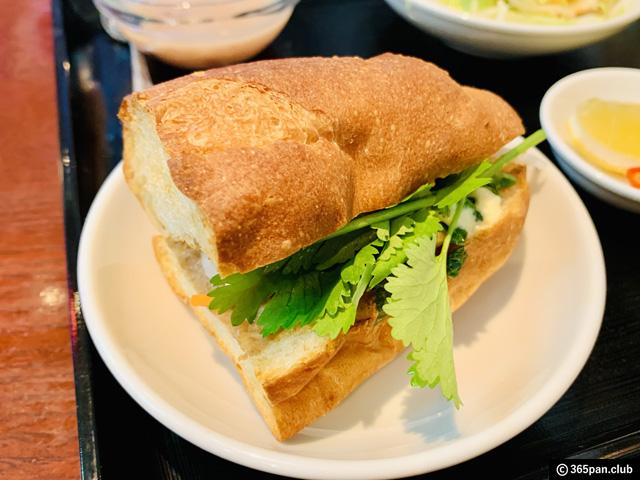 【高田馬場】ベトナムレストランで食べるバインミー「ノンラー」感想-09