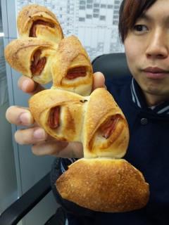 ブーランジェリー浅野屋『ベーコンエピ』『ビアバケット(コンテチーズ)』 - 東京パン