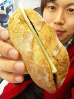ブーランジェリー浅野屋『カンパーニュマロン』『ビアバケット(コンテチーズ)』 - 東京パン