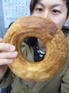 Heart Bread ANTIQUE 銀座店『天使のチョコリング』 - 東京パン