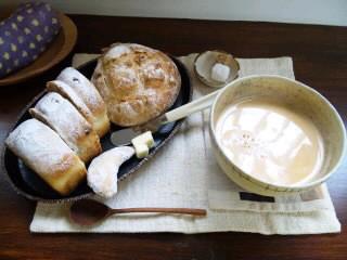 teq-teq(テクテク)『オリジナルチャイ』とパン - 東京パン