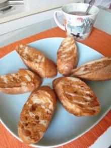 パン醤油で素敵に美味しくお昼ごパン♪ - 東京パン