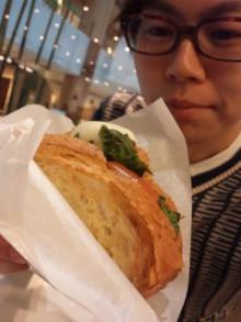 プロシュートとモッツァレラサンド♪ - 東京パン