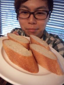 『パスタにパン』は『チャーハンにライス』みないなもんだ。 - 東京パン
