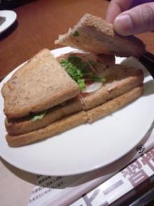 上島珈琲のサンドイッチw - 東京パン