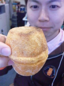 ドイツパンと伸び~るチーズのパン♪ - 東京パン