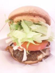 スッキリコラボ・モスバーガー『フルーツ味噌』チキンバーガーを食べてみる。 - 東京パン
